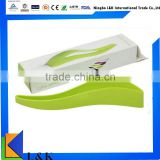 Hot sale 2 in 1 colorful recyclable plastic cake server/cake cutter/cake slicer with high quality