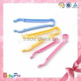 High Quailty Eco-Friendly Baby Feeding Bottle Clip Plastic Clamp