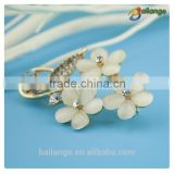wholesale wedding flower vintage crystal pearl rhinestone brooch pin for men wholesale korea