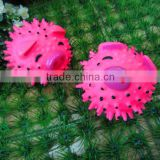 vinyl toy-8.5cm pink pig spikey ball
