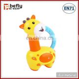 Cute plastic giraffe baby wrist animal rattle toy wholesale