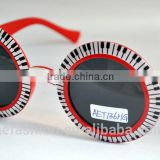 A Round party glasses with keyboard picture