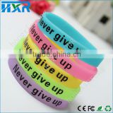 Popular rubber glow in the dark decorative mechanical ring customized silicone wristband silicone band l