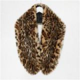 Women Faux Fur Collar Scarves With Circular Ends