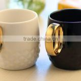 creative clasic black and white lovers 12 oz carving porcelain coffee mug with golden ring circle handle