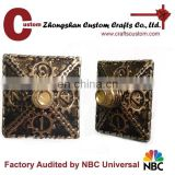 Custom zinc alloy metal type antique gold finish engraved dice