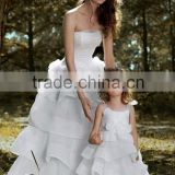 Stylish Mother and Daughter Wedding Dresses Off the Shoulder Bow Appliques White Tulle Ball Gown robe de mariage Gowns