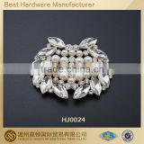HJ0024 Pearl embellished shoe buckle