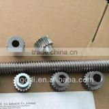 customized long worm gear shafts with many sets of steel worm wheel