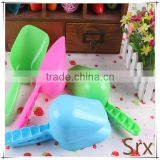 OEM dog cat pet horse plastic feed scoops shovel durable/Pet Dry Food Plastic Feeding Scoop Dog Cat Cleaning Shove Manufacturer