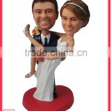 7 inches groom holiding bride resin wedding couple figurine