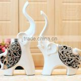 Man-made Electroplated Hollowed-out Ceramic Lover Elephants