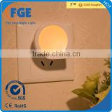 Auto ON/OFF Plug In LED Night Light with Dusk to Dawn Sensor