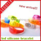 2015 new arrival super hot innovative shinning led silicone bracelet for party