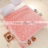 China manufacturer pink dot design cheap pastoral style wholesaler flannel fleece blanket