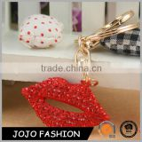 Fashion jewelry 2016 lipstick red lips key holder keychain for beautiful girl