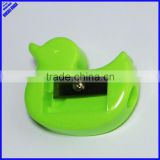 Funny plastic duck animal shaped pencil sharpener