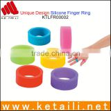 Hot Products Trends 2015 to Sell Personalized Silicone Finger Rings OEM Silicone Rubber Finger Ring Custom Made in China