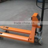 Best quality 2.5T AC pump hand pallet truck price with SCALE                                                                         Quality Choice