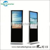 Floor standing 32 inch usb cf/sd card floor standing digital signage with global guarantee