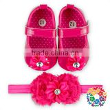 Hot Pink Baby Girls Baby Moccasins Soft Sole Crib Shoes Set And Match Flower Headband Wholesale Shoes Baby Moccasins In China