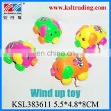 plastic wind up pig toys for children