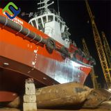 Ship dokcing and undocking rubber airbag