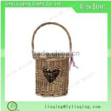 Wholesale Shabby Chic Country wicker heart Hurricane Lantern basket with glass insert Tealight Holder basket
