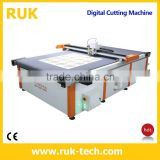 Digital Cutting Machine (Aluminium Vinyls Rubber Wood Twin-wall Sheets Carton Plastics Paper Foam Corrugated Cardboard Material)