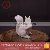 2016 New Design Unpainted Ceramic White Squirrel Figurines For Garden Ornament,