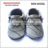Most Hot selling baby genuine leather fringe moccasins soft leather moccs baby booties toddler shoes moccasins