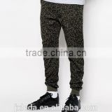 Custom men fashion tapered full camo print sweat trousers, fitness casual training gym pants OEM