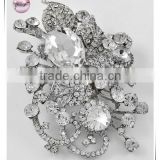Rhodiumized / Clear Glass & Rhinestone / Lead&nickel Compliant / Floral Brooch