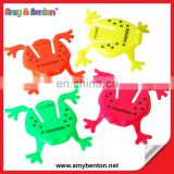 Top Selling Funny Mini Plastic Frog Jumping Frog Novelty Toy