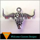 Latest Trendy Antique silver buffalo horn charms Alloy cow skull pendant
