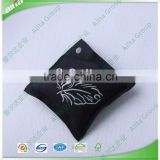 Black Color cool stuffed clothing woven labels for Men