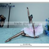 Graceful Polyresin ballet girl dancing girl figurine for wedding gifts