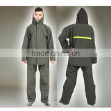 equipped with high visibility reflective taps for extra safety waterproof work rain coat