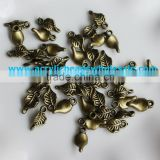 7*13.5MM Antique Bronze Retro metal leaves charm pendant beads lot the connection piece handmade
