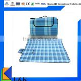 foldable fleece waterproof outdoor blankets with handle strap/foldable waterproof picnic rug