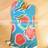 65%/35%polycotton glove kitchen gloves,oven gloves ,cotton printed glove blue flower design-5