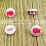 18L resin laser engraved fish pattern button with shank