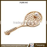 Newest design fashionable novelty jewelry gold plated badminton brooch