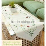 Hot sale handmade embroidered signature cotton table runner
