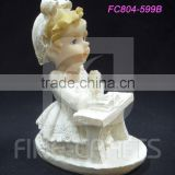 Polyresin kneeling position prayer girl religious figurine