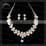 2013Fashion pearl necklace and earrings set