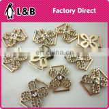 Fashion lady shoe decorative flower pattern gold small plastic buckles for lady shoes