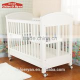 2016 wholesale baby furniture solid new zealand pine multi-functional baby crib with wheels
