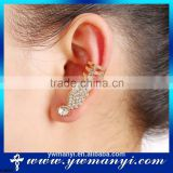 Hot sale alloy gold rhinestone wing ear cuff with OEM jewelry is accepted E680