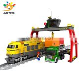 Factory wholesale 792PCS deft design plastic building big train block toy for kids
